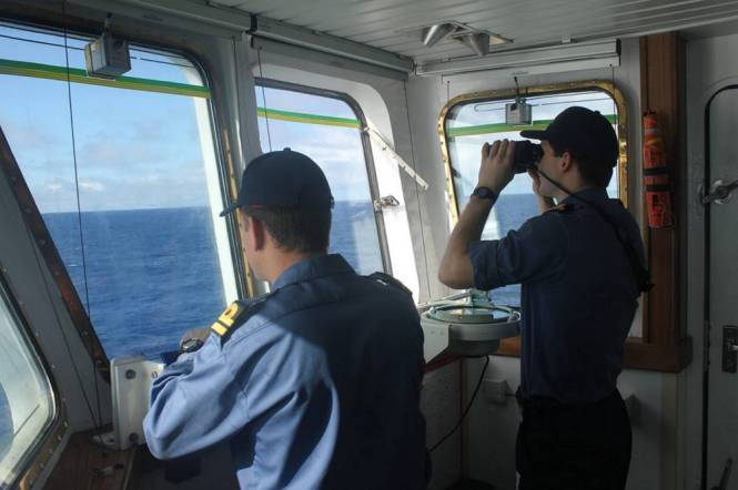 The search continues in the Indian Ocean for the missing Malaysia Airlines passenger jet (Picture: MoD)